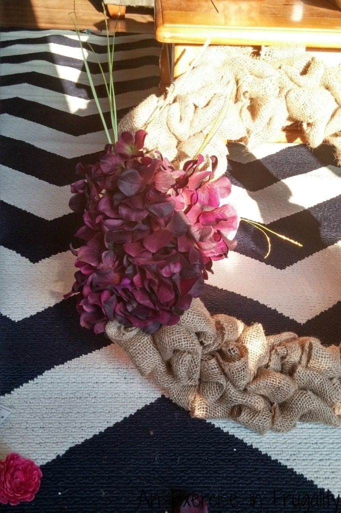 Floral burlap wreath DIY