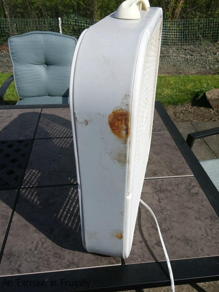 rusty box fan