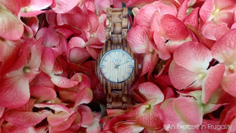 JORD Wood Watches make a fabulous graduation gift idea. Perfect for any college or workplace bound graduate!
