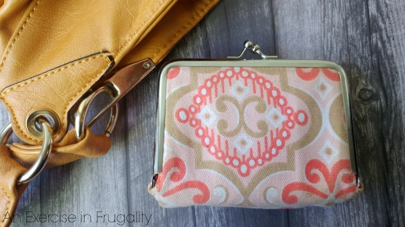 How to make a purse survival kit for life's little emergencies!