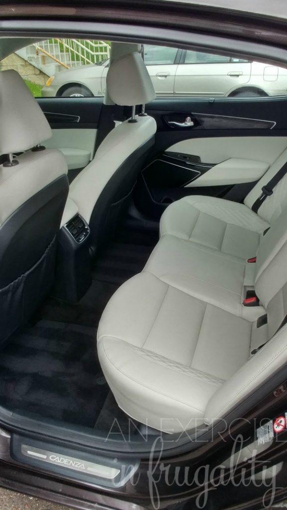 Kia Cadenza back seat