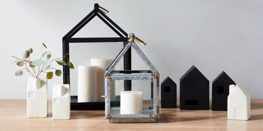 Hearth & Home with Magnolia at Target Collection is here! We are taking a look at the gorgeous home decor items from Chip and Joanna Gaines. We are totally loving the rustic, industrial, farmhouse feel of this collection. It looks like a shopping trip with Joanna at her favorite flea market! Just add shiplap!