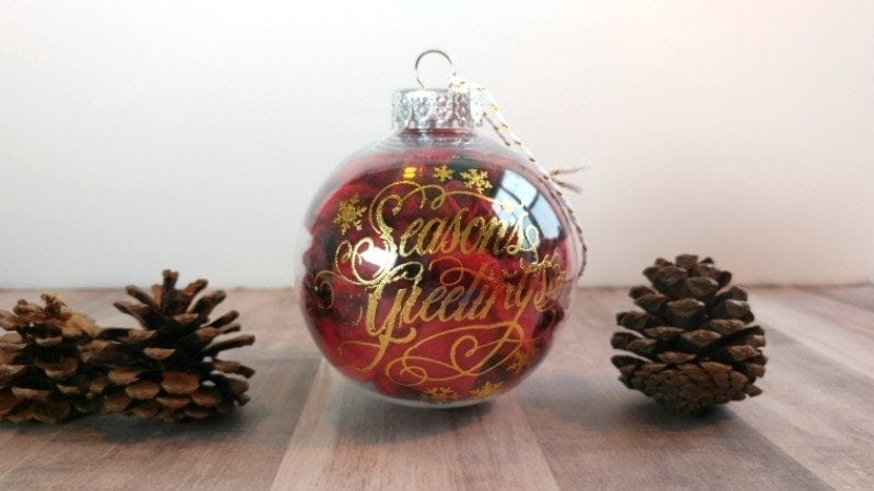 Easy Ornaments to Make Yourself- These Christmas ornaments are SO simple to make, anyone can do it in just minutes using supplies you already have in your craft closet. Glitter, scraps of fabric and a little craft paint and you have some gorgeous custom ornaments! #holiday #Christmas #decor #DIY #easy #paint #crafts #crafter